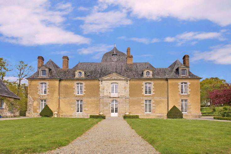 Castle in Poligné, France. This charming château is located in the heart of Brittanny : at 20 kms from Rennes . This monument is  listed historical monument and furnished with very beautiful art .  The castle was built in the 17th and the 18th centuries in a park of secular...