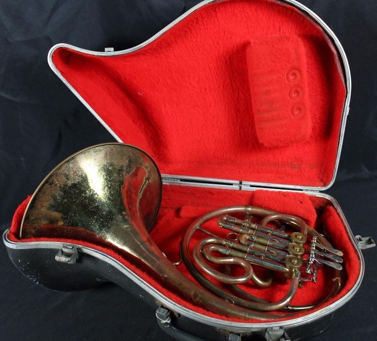 Vintage Unbranded Single French Horn w/Case Brass Band Instrument #Unbranded