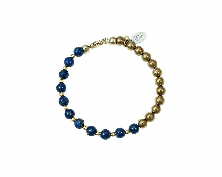 Created with Lapis Lazuli, which in Buddhism is considered one of the seven treasures and equated with self-awareness, combined with hematite Gold that gives dynamism and vitality, the bracelet Gold Lapis Lazuli becomes full of meaning and charm. Wear the bracelet Gold Lapis Lazuli for an elegant and mysterious touch.