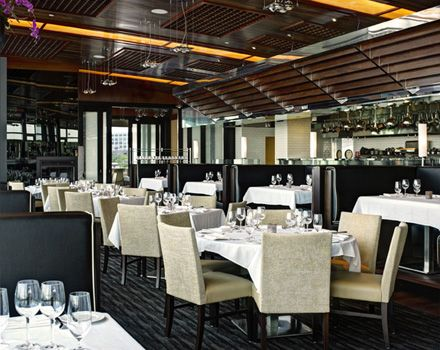 Legal seafood restaurant harborside floor 2 boston for Best fish restaurants in boston