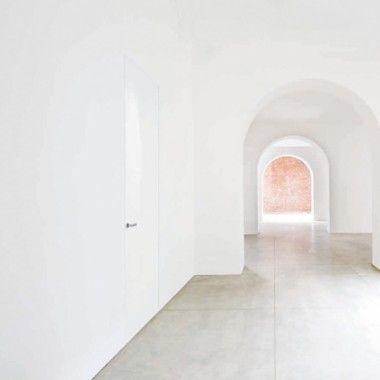 #invisibile #porta battente - Oikos - Selva Interior