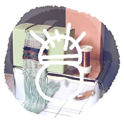 {DIY : collier boho mini tissage}  http://www.thecreativecontente.com/home/diy-collier-boho-mini-tissage-loop-de-loom