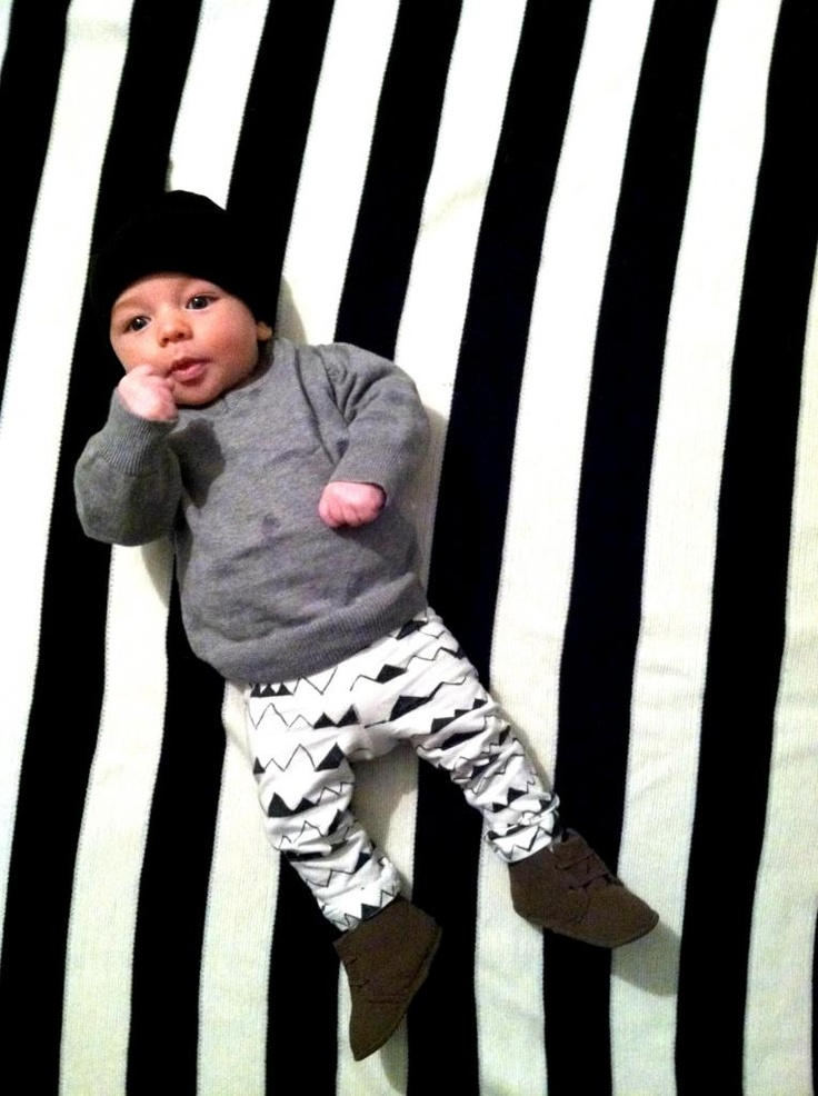 frills for thrills: DIY: patterned baby leggings.
