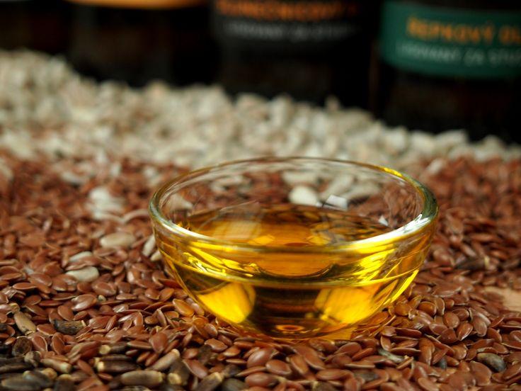Prvotřídní oleje lisované za studena. Výtěžek oleje, lisovaného tímto způsobem, je velmi nízký, ale šetrné zpracování zaručuje, že v oleji zůstane zachován vysoký obsah nenasycených mastných kyselin, který je chráněn přírodním vitaminem E, a další minerály i vitamíny. Nejen vysoký podíl těchto zdravých látek, ale i bohaté intenzivní aroma a harmonická, plná chuť je to, co dělá tyto oleje výjimečnými.  http://www.kralovstvichuti.cz/oleje/