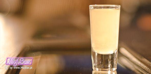 KNICKER DROPPER GLORY Przyjemnie lekki szot:  frangelico - 30ml, limonka sok - 10ml Przepisy na drinki znajdziesz na: http://mojbar.pl/przepisy.htm