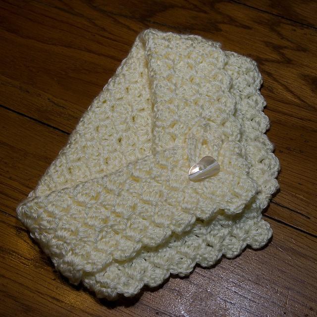 *Free Crochet Pattern - Bushy Stitch Neck Warmer by Donna Fallecker