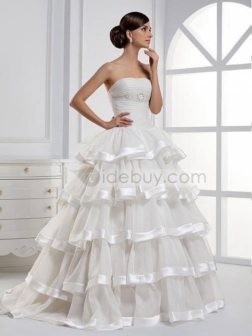 Charming A-line Tiered Strapless Floor-length Wedding Dress