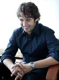 Josh Groban 》》》He's kind of perfect. And his voice is amazing! ♡♥♡