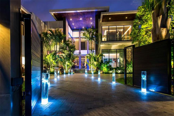 South Beach contemporary Luxury