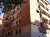 Immobiliare Roma Appartamento 5 locali in vendita - 130 mq -  239.000  Roma via costantino zona Ostiense  San Paolo adiac. Università Roma Tre e Metro B Ottimo investimento piano alto Ingresso cinque camere cucina abitabile doppi servizi balconi .ape F 239.000 CLASSE ENERGETICA: F (DL 192 19/08/05) IPE: 85.86 kwh/mq - Classe energetica: F - IPE: 85.86 kwh/mq  Informazioni sulla zona san paolo  Vedi altri annunci simili di appartamenti 5 locali in vendita a Roma  Segui Attico.it su…