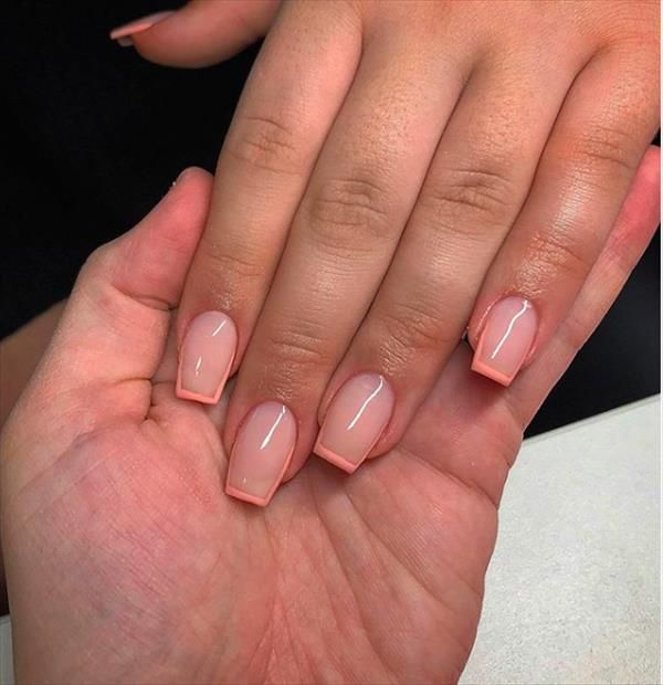 60 Fantastic Short Square Nail Designs For Spring And Summer The First Hand Fashion News For Females In 2020 Short Square Acrylic Nails Short Acrylic Nails Designs Square Acrylic Nails