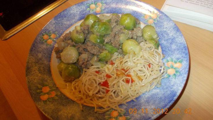 Super Lekker! Snelle Curry Van Spruitjes En Gehakt! recept | Smulweb.nl