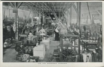 Jacques Duval Manufacture de Passementeries Postcard - Une Vue D'ensemble Intérieur
