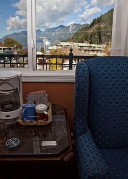 Horseshoe Bay Motel West Vancouver | 6588 Royal Ave West Vancouver V7W2B6