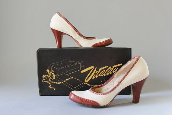 1940s Spectator Pumps / Vintage 50s Shoes / 1950s by HolliePoint