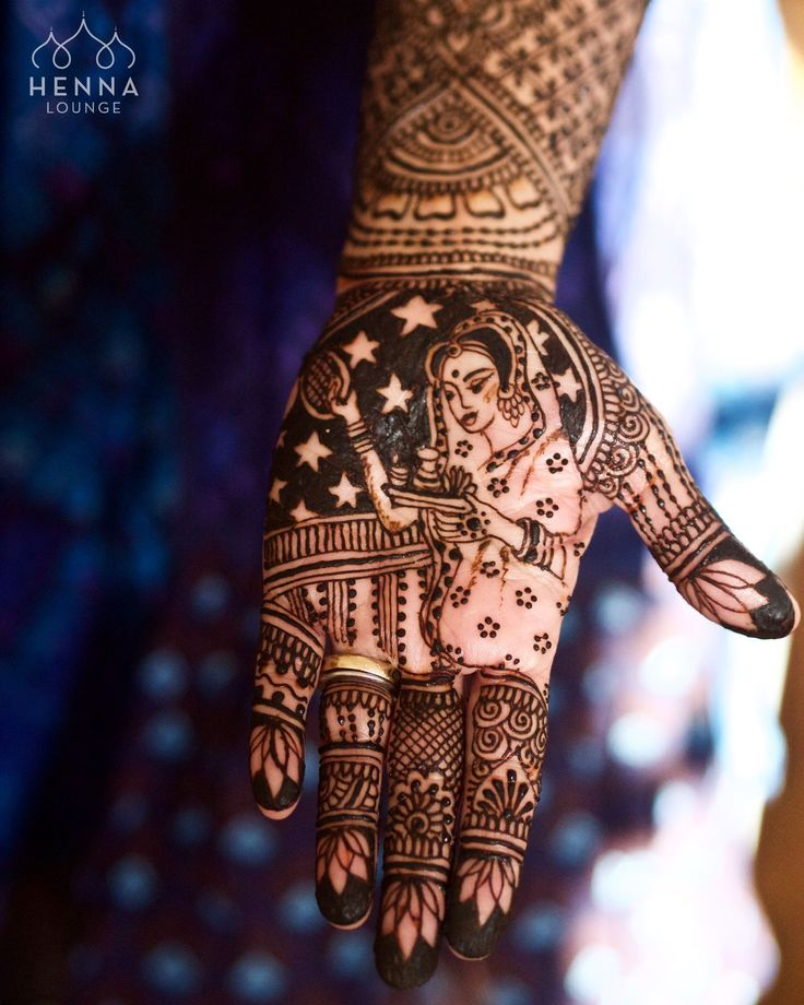 Happy Karwa Chauth to all the ladies fasting today! My interpretation of a piece by @joshiyash40 . Even though I've been doing henna for many years there is always more to learn and fine tune. #stayhumble #humblepie #henna #mehndi #practicemakesperfect #karwachauth #fasting #hennapro #sieve #moonandstars #lotus #oaklandhenna #sanfranciscohenna #bayareahenna #hennadesigner #mehndidesigner