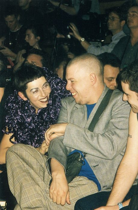 isabella blow & alexander mcqueen (1996) postcards from the edge of the catwalk photography iain r webb