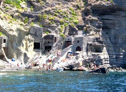 17 best images about panarea e isole eolie sicilia on for Salina sicily things to do