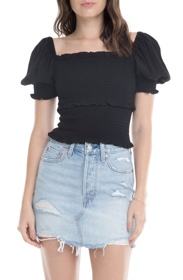 Women's Astr The Label Glenna Smocked Puff Sleeve Top, Size X-Small – Black