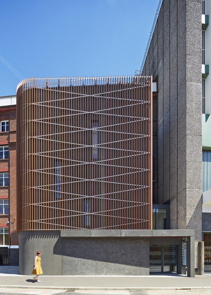 Beefeater Gin Visitor Centre / Lee Boyd