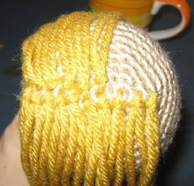 How to add hair to your crochet doll ༺✿Teresa Restegui http://www.pinterest.com/teretegui/✿༻