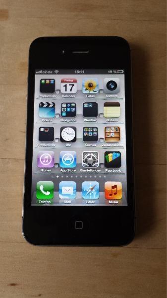 iPhone 4S 32GB mit Zubehör zu verkaufen