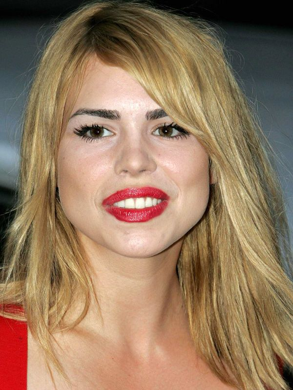 Hairstyles For Pear Shape Faces Articles and Pictures