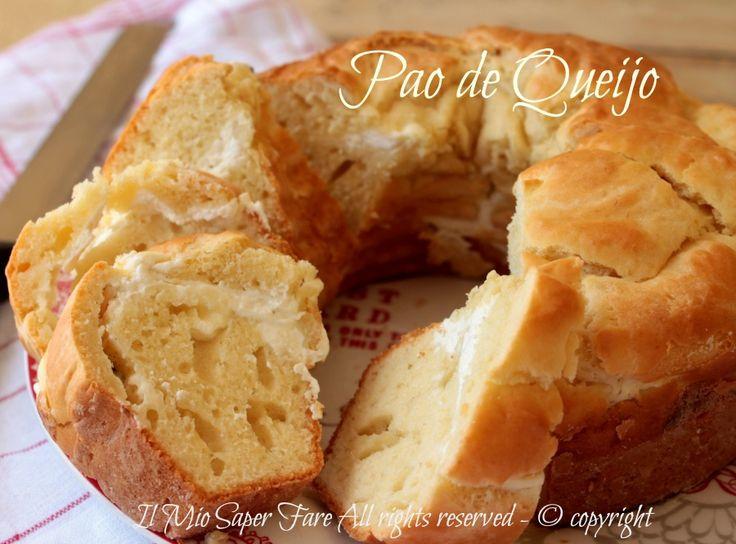 Ricetta Pao de Queijo tipico pane al formaggio brasiliano con tapioca. Ho conferito la forma di una torta salata formaggiosa e non ho aggiunto la tapioca