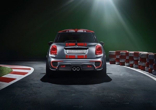 2014 Mini John Cooper Works Rear Images 600x426 2014 Mini John Cooper Works Concept and Images