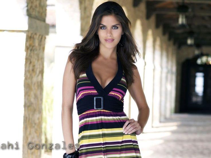 Anahi Gonzáles como Letícia Amorim