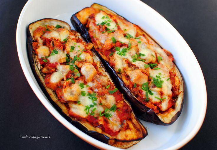 Bakłażany faszerowane pomidorami z mozzarellą
