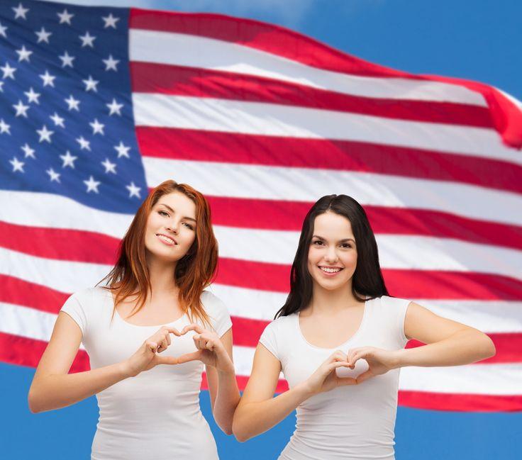Страшные женщины в США. Ходит слух, что женщины в Америке страшные и неухоженные, они не умеют одеваться и носят в теплую погоду шорты и сланцы. Американки и правда не делают из одежды и макияжа культа, но, как все женщины, они все-таки следят за собой.