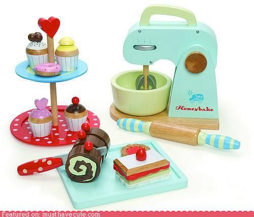 Beautiful Fantastic Honeybake Baking Set From Le Toy Van, With Everything Your Junior  Baker Needs For A Hours Of Fun In The Play Kitchen. A Brilliant Wooden Toy!