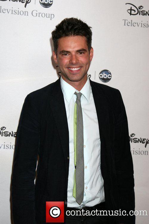 Jason Thompson   Jason Thompson arriving at the ABC TCA Summer 08 Party Disney ...