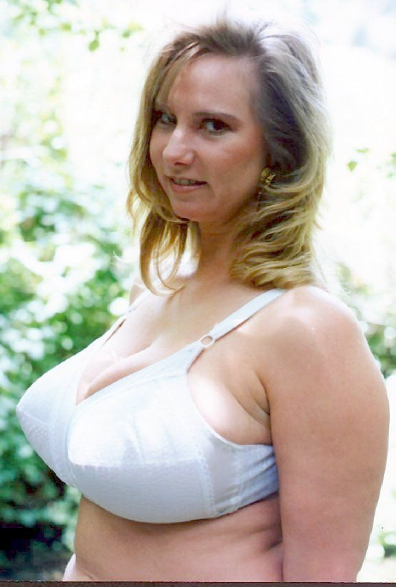 A Collection Of Mature Women With Great Big Tits  See It -6857