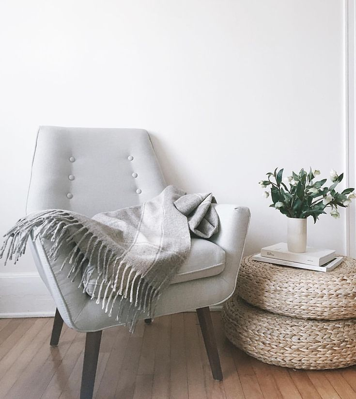 """Gillian Stevens no Instagram: """"A few months ago I worked on a really fun project with Montreal based furniture company, @structube. This is the Claire armchair, my favourite piece that we have from them. (Ps it's on sale right now). Looking forward to sharing more about our project later this week! #sharemyspot"""""""
