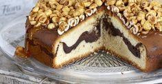 Βασιλόπιτα γεμιστή με σοκολάτα & καραμελωμένα φουντούκια
