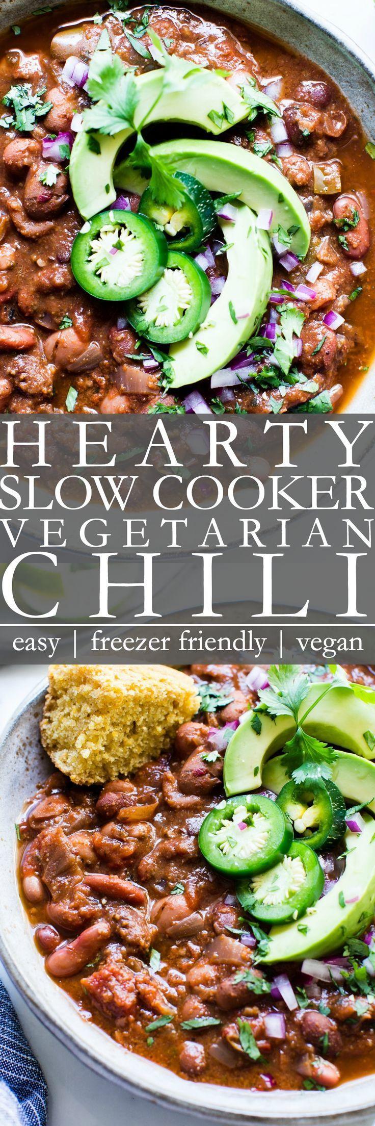 Hearty Crock Pot Vegetarian Chili Vanilla And Bean In 2020 Vegetarian Crockpot Vegetarian Chili Vegetarian Chili Easy
