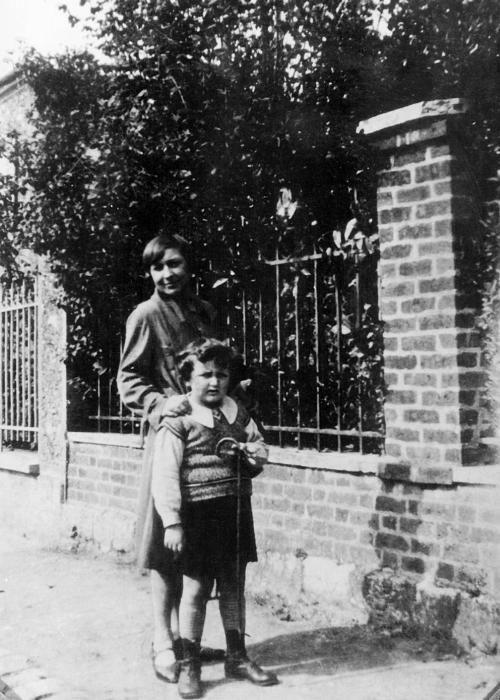 Marina Cvetaeva e il figlio Mur.