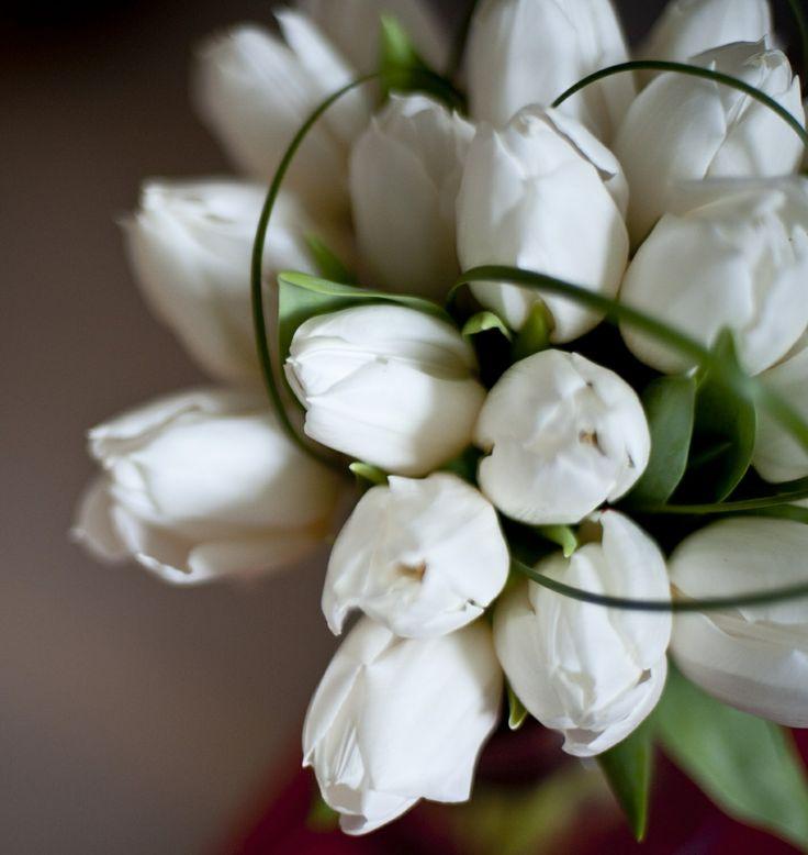 www.italianfelicity.com #weddingdetails #tulips #bouquet