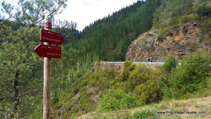 Only three more kilometers to Grandas de Salime on the Camino Primitivo. This is the climb up, on the pavement, from the dam to Grandas.