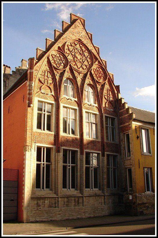 Huis van 't Sestich, Naamsestraat, Leuven, Belgium