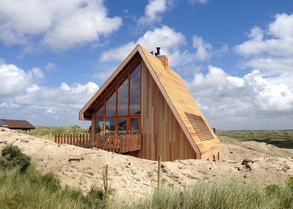 Casa imbracata integral in lemn la Marea Nordului