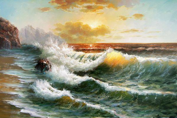 Paysage marin avec le soleil derrière les nuages