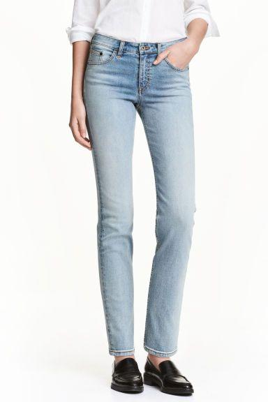 Straight Regular Jeans (denim claro): H&M (39,99€)