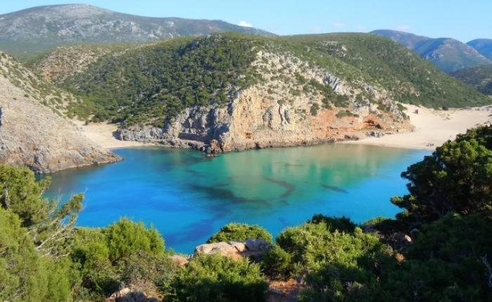 Sardegna Costa Verde - Mare, miniere, surf a 30€ a notte! Seaside, mines and surf for 39$ per night on BnBGenius.com! #lifeisajourney