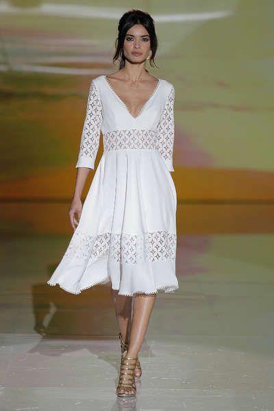 Vestidos de novia cortos: diseños que te enamorarán. ¡Elige el tuyo! Image: 15