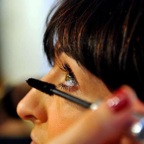 Vanessa Rozan ensina truques para uma maquiagem sem mistério