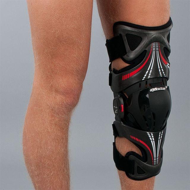 Alpinestars Fluid Tech Carbon Knee Brace <b>Left</b> | Доспехи