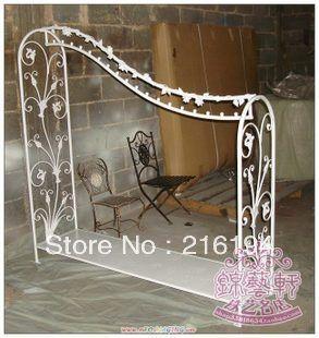 Wrought iron clothing display shelf or Wavy clothing display rack or floor type racks display rack or Nakajima clothes rack